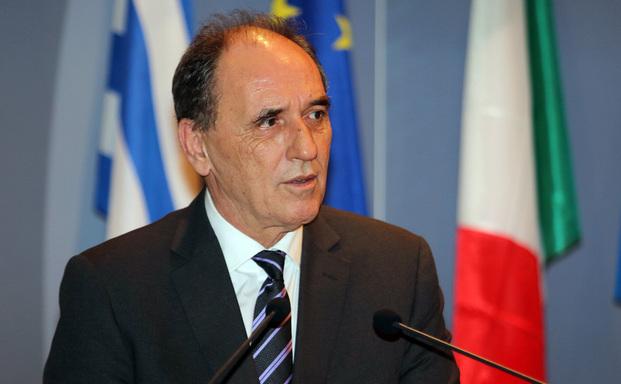 Θα χαλαρώσουν τα capital controls, λέει ο Γιώργος Σταθάκης
