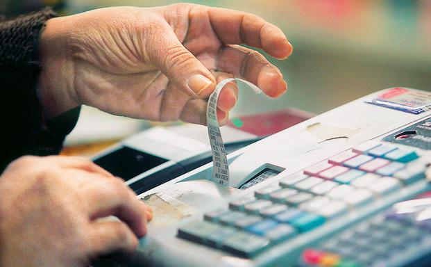 Και αύξηση του υψηλού συντελεστή ΦΠΑ από 23% σε 24%