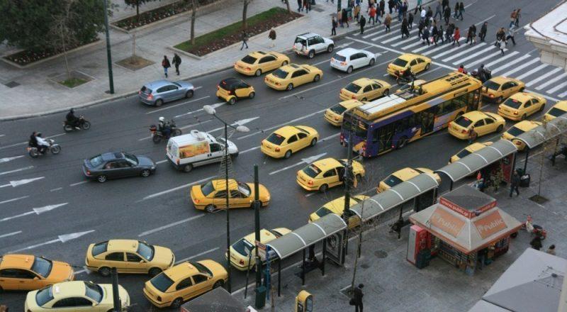 Νέο κύμα ελέγχων για ανασφάλιστα οχήματα – Ποιοι κινδυνεύουν να χάσουν το δίπλωμα και να πληρώσουν πρόστιμο