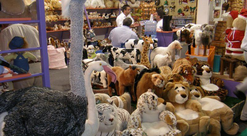 Απαγορεύονται τα πανηγύρια και όχι η λειτουργία των σχετικών αγορών