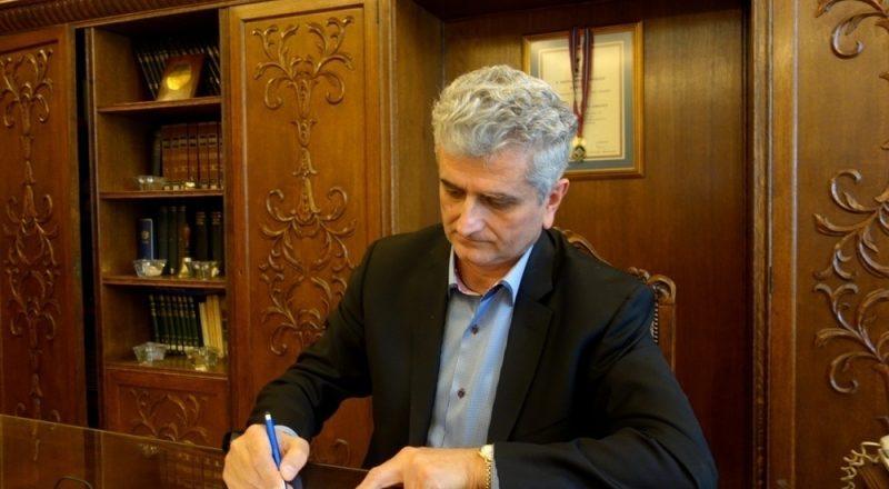 Ν. Κογιουμτσής στο newsbomb.gr: Τα «ανοιχτά μέτωπα» στην οικονομία, πλήττουν την επιχειρηματικότητα