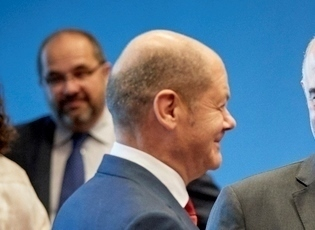 Ό. Σολτς: Η Ελλάδα μπορεί αυτόνομα να χαράσσει οικονομική πορεία