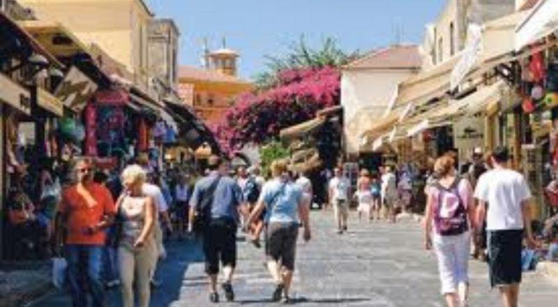 Έρευνα ΕΣΕΕ:Ελληνικά  παραδοσιακά προϊόντα ζητούν οι τουρίστες