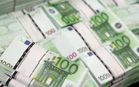 Μικρή αύξηση των δανείων προς τις επιχειρήσεις