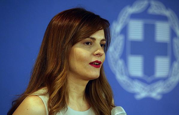 Αχτσιόγλου: Ζητάμε ακύρωση του μέτρου της μείωσης των συντάξεων