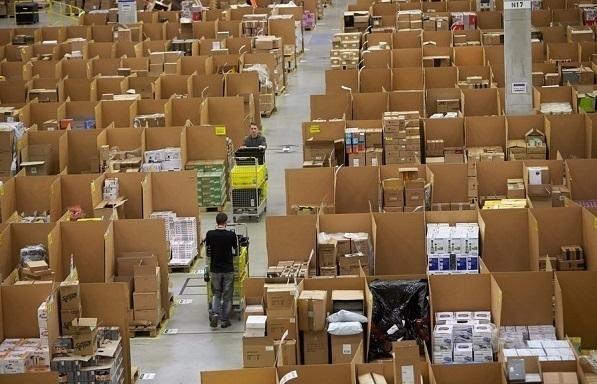 Amazon: Δημιουργεί 100.000 θέσεις πλήρους απασχόλησης στις ΗΠΑ