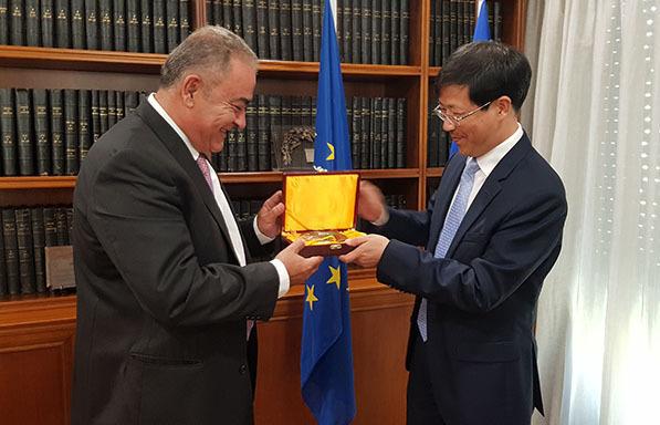 Επίσκεψη κινεζικής αντιπροσωπείας στο ΕΕΑ-Συνάντηση και με Πιτσιόρλα