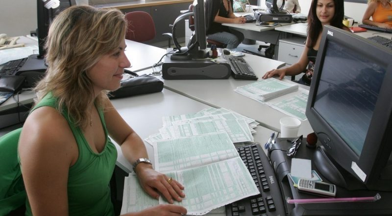 ΔΕΕ: Να καταγράφεται ο χρόνος εργασίας για την προστασία των εργαζομένων