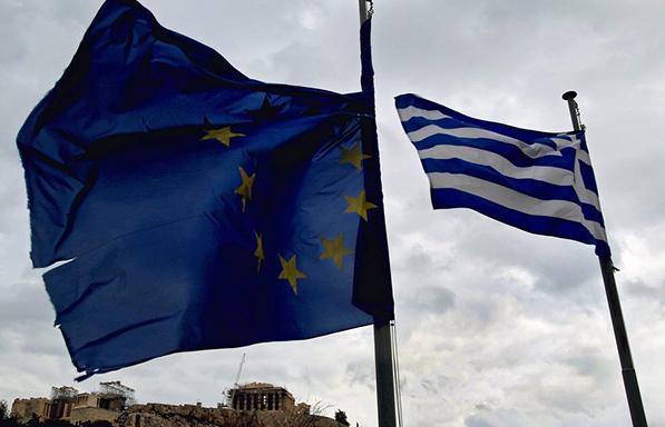 Ευρωβαρόμετρο: Πώς βλέπουν οι Έλληνες το παρόν και το μέλλον της ελληνικής οικονομίας και της ΕΕ