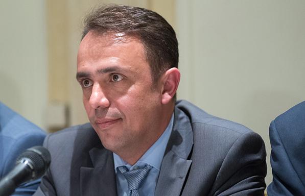 Ν. Γρέντζελος στα parapolitika.gr: Η ιδεοληψία της κυβέρνησης για τα ιδιωτικά πανεπιστήμια μας καθηλώνει