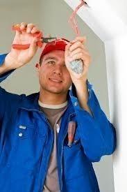 ΥΠΟΙΚ:Στο «στόχαστρο» τα επαγγέλματα της οικοδομής