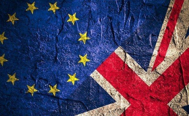 Κομισιόν: Καλεί πολίτες και επιχειρήσεις να προετοιμαστούν για την αποχώρηση του Ηνωμένου Βασιλείου στις 31/10