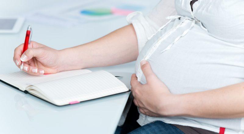 Διευκρινίσεις για την χορήγηση του επιδόματος μητρότητας στις αυτοαπασχολούμενες γυναίκες του π. ΟΑΕΕ