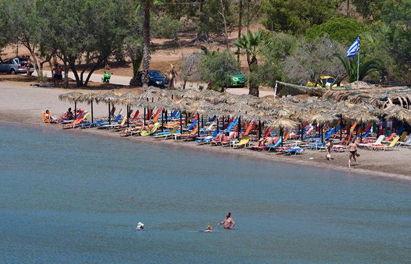 Έλεγχοι σε παραλίες και καταστήματα εστίασης σε 69 Δήμους – Πρόστιμα 13.350 ευρώ σε μία ημέρα