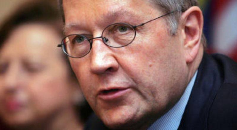 Ρέγκλινγκ: δεν θα βγει σύντομα η Ελλάδα από την κρίση