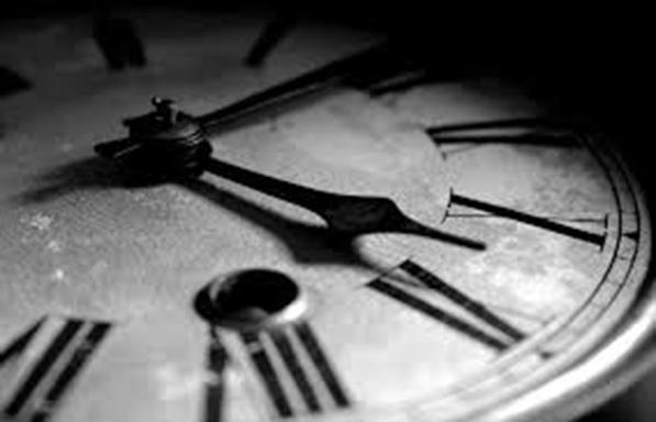Ξεκινά διαβούλευση για την κατάργηση ή μη της αλλαγής ώρας