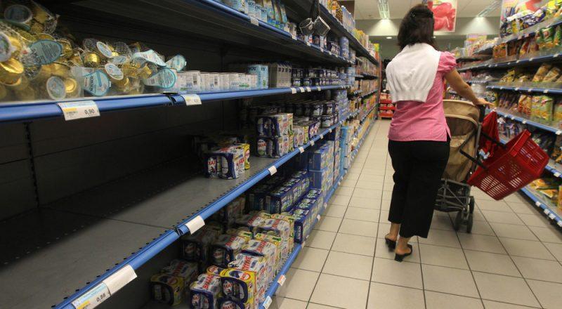 ΥΠΑΑΝ: Έντονες αποπληθωριστικές τάσεις στα είδη διατροφής