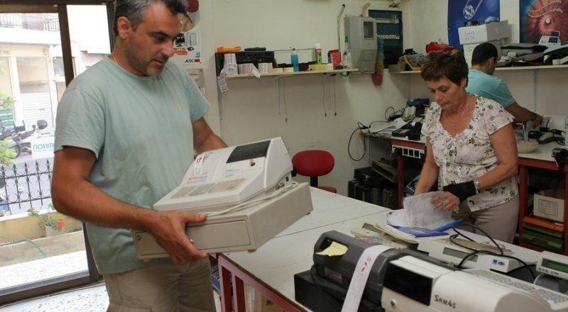 ΑΑΔΕ: Αποκαλύφθηκε κύκλωμα που αλλοίωνε αποδείξεις σε ταμειακές μηχανές