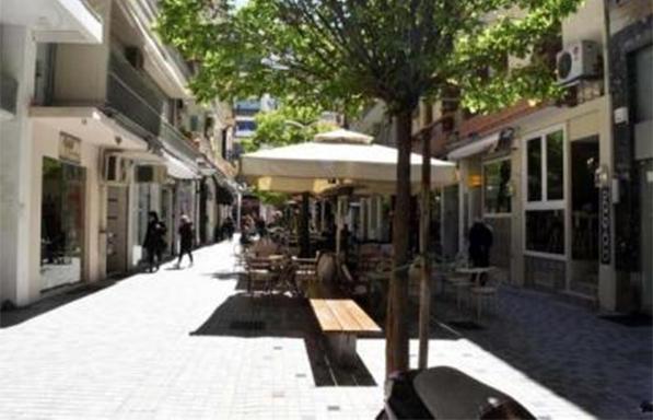 Δήμος Αθηναίων: Αυστηρότερο πλαίσιο για τα τραπεζοκαθίσματα το 2018