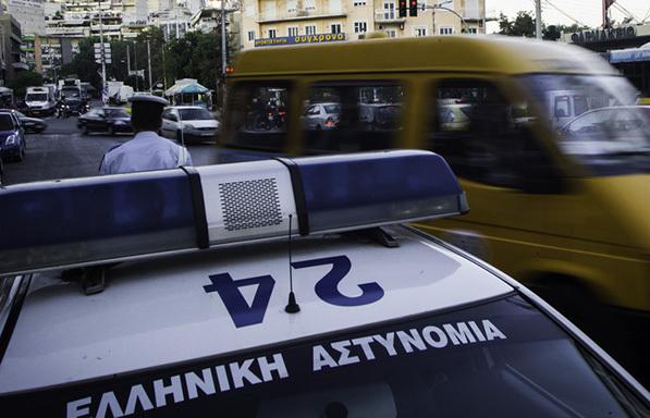 Επιστροφή στο παλαιό καθεστώς έκδοσης διπλωμάτων οδήγησης για τουλάχιστον έξι μήνες