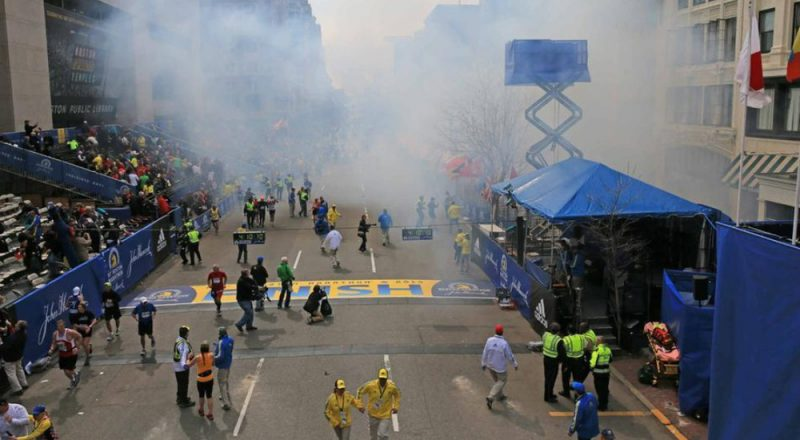 Νεκροί και τραυματίες από εκρήξεις βομβών στο μαραθώνιο της Βοστώνης