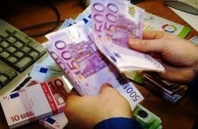 «Δεν υπάρχει ανησυχία από τις εκροές τραπεζικών καταθέσεων»
