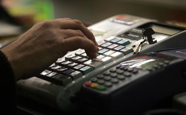 ΕΣΕΕ: Όχι σε υπέρογκα πρόστιμα στους μικρομεσαίους για εκπρόθεσμη αλλαγή ταμειακής μηχανής