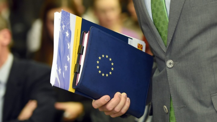 Valdis Dombrovskis: Βελτιώνεται η οικονομική κατάσταση των χωρών μελών της ΕΕ