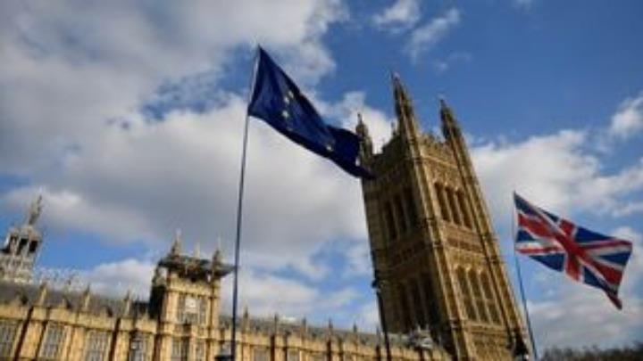 Η κρίση οξύνεται. Οι Βρετανοί βουλευτές απέρριψαν για τρίτη φορά τη συμφωνία αποχώρησης