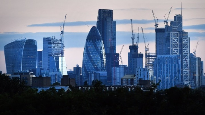 Βρετανία: Το ένα τρίτο των δισεκατομμυριούχων τοποθετούν τις περιουσίες τους σε φορολογικούς παραδείσους