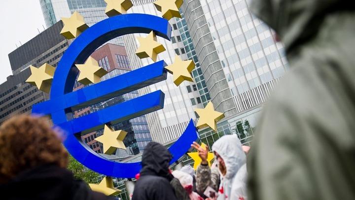 Η ΕΚΤ τάσσεται υπέρ ενός πακέτου μέτρων για τη στήριξη της οικονομίας της Ευρωζώνης