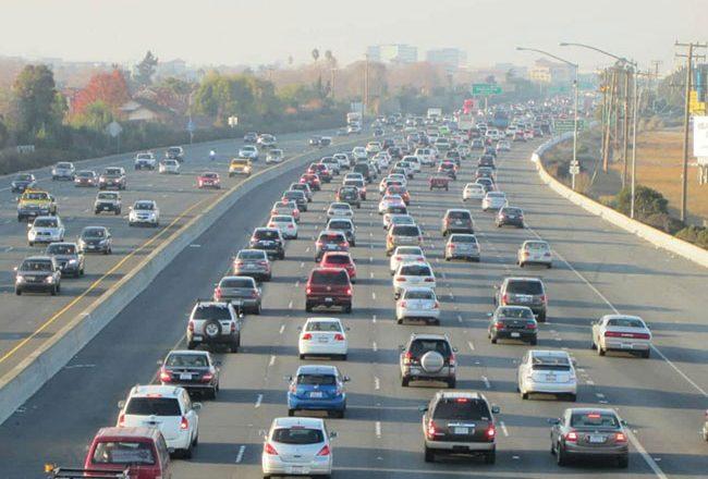 Χρήσιμες συμβουλές από την Επιτροπή Κυκλοφοριακής Αγωγής του ΕΕΑ για ασφαλή επιστροφή των εκδρομέων