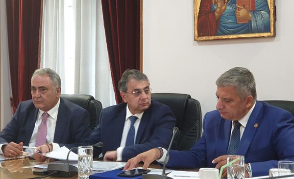 Συνεδρίαση του Περιφερειακού Επιμελητηριακού Συμβουλίου Αττικής και βράβευση του Γ. Πατούλη