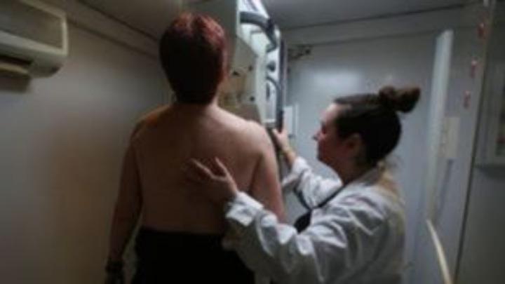 Δωρεάν ιατρικές εξετάσεις μαστού και συνταγογράφηση μαστογραφίας από τον Δήμο Αθηναίων