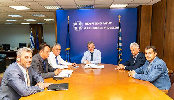 Δέσμευση του Υπουργού Εργασίας στην αντιπροσωπεία του Ε.Ε.Α. για μείωση των εργοδοτικών εισφορών