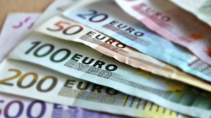 Επίδομα 800 ευρώ: Καταβάλλεται σήμερα σε 6.256 επιχειρήσεις