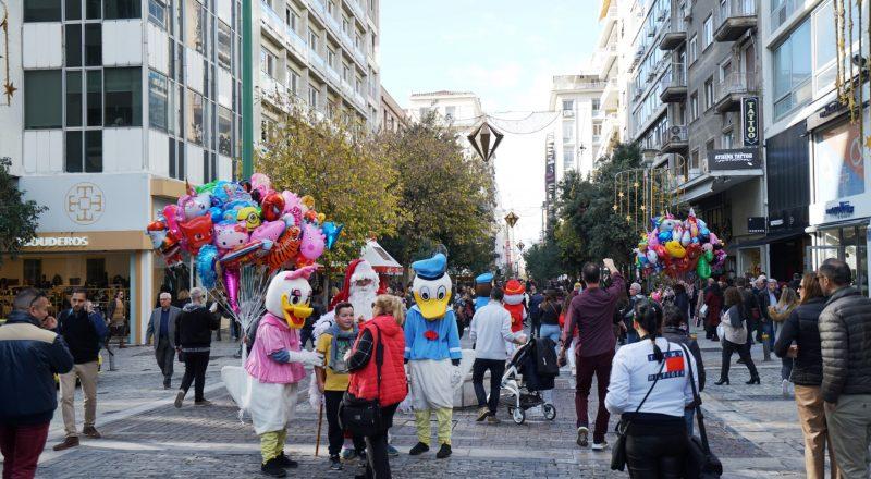 Πρώτη Κυριακή εορτών ανοικτά. Το αδιαχώρητο… στους δρόμους!