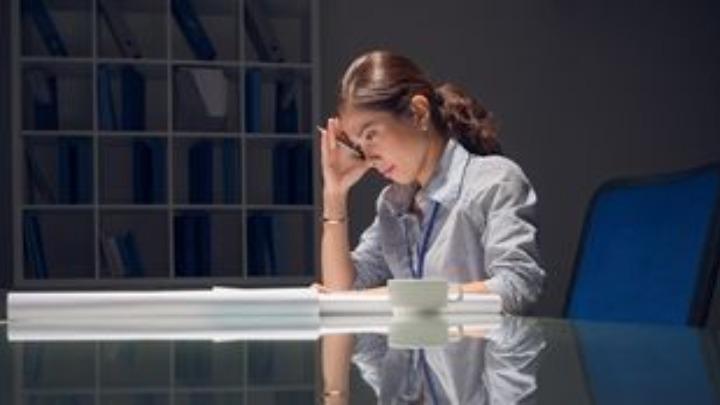 Παρενέργειες της κρίσης: Πτώση εργασιακού κλίματος, ψυχολογική κόπωση εργαζομένων
