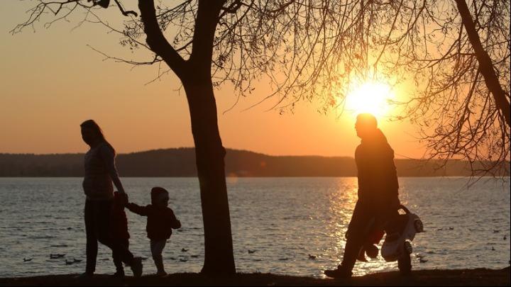 Πολιτικές για την οικογένεια – Αναδοχή και υιοθεσία στο προσκήνιο, με ειδική εκδήλωση στις 11 Δεκεμβρίου