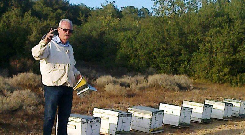 Βασίλης Ντούρας. Μελισσοκόμος με κοινωνική φιλοσοφία για το επάγγελμα!