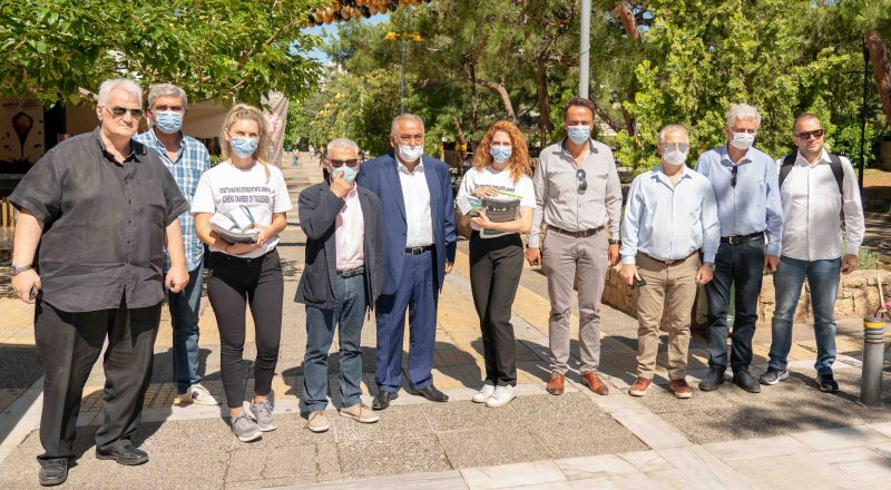 ΕΕΑ: Διανομή υγειονομικού Υλικού στους Δήμους Ν. Σμύρνης και Μοσχάτου