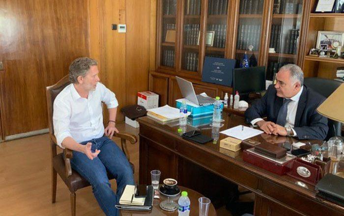 Συνάντηση του Γιάννη Χατζηθεοδοσίου με τον Παύλο Γερουλάνο