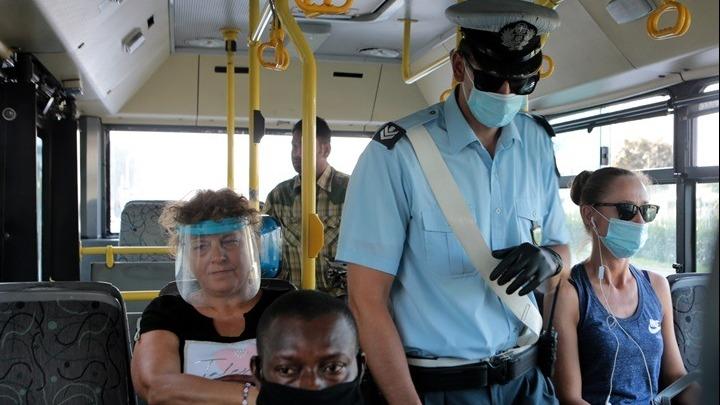 Πρόστιμα και συλλήψεις για μη τήρηση των μέτρων κατά της διάδοσης του κορονοϊού