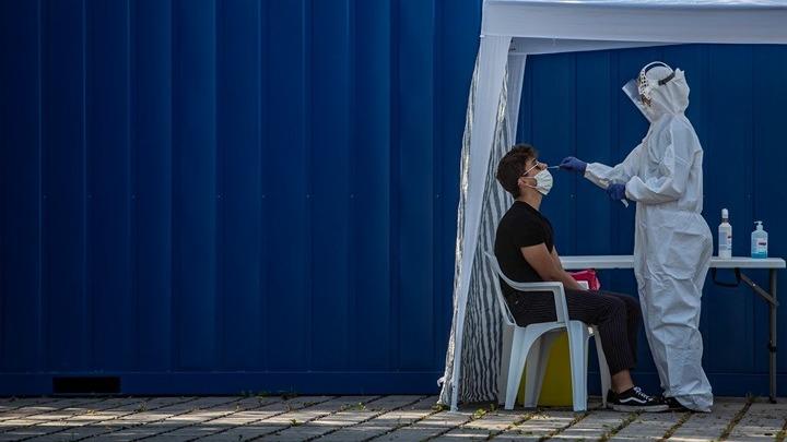 Κορονοϊός-Ελλάδα: 453 νέα κρούσματα από τα οποία τα 184 στο ΚΥΤ Καρά Τεπέ Λέσβου