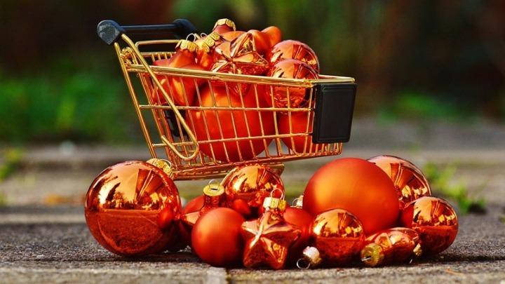 Χριστούγεννα 2020: Μόνο 3 στους 10 θα κάνουν εφέτος περισσότερες αγορές