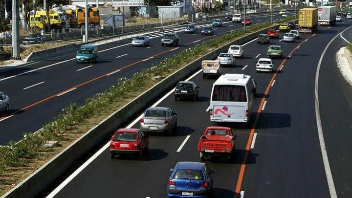 Παρατείνεται μέχρι τη Δευτέρα η προθεσμία για την καταβολή των τελών κυκλοφορίας