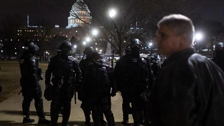 ΗΠΑ: Τραγικός απολογισμός. Τέσσερις άνθρωποι έχασαν τη ζωή τους στα επεισόδια στην Ουάσινγκτον.  Για «Ντροπή και χάος» κάνει λόγο ο διεθνής τύπος
