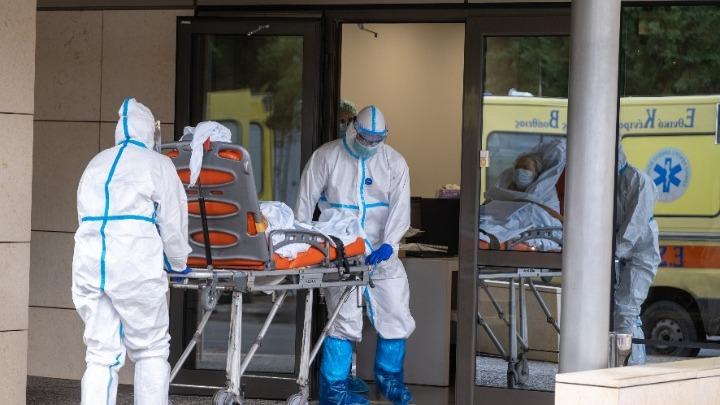 Κορονοϊός-Ελλάδα: Έξαρση του ιού με 63 νεκρούς, 3.651 νέα κρούσματα και 387 διασωληνωμένους