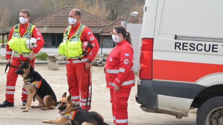 Συνεχίζεται η βοήθεια στους σεισμόπληκτους