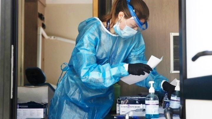 Κορονοϊός: 2.170 κρούσματα, 43 θάνατοι, 384 διασωληνωμένοι εκ των οποίων 343 ανεμβολίαστοι ή μερικώς εμβολιασμένοι